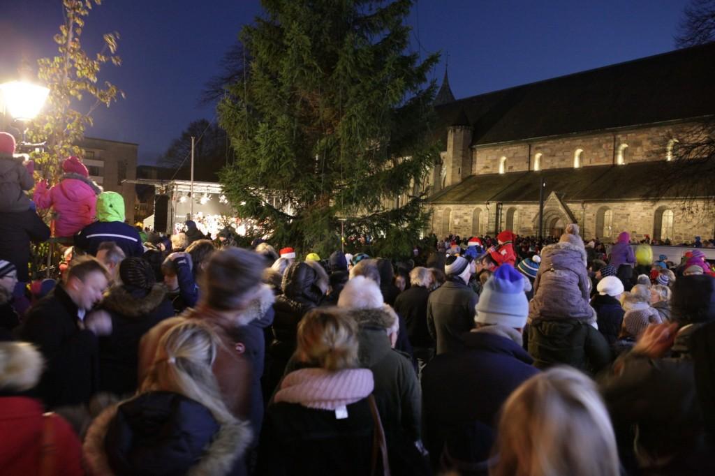 Christmas tree Lighting – Domkirkeplassen in Stavanger 03
