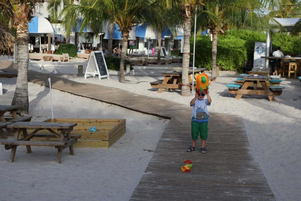 001 029 Jan Thiel Beach evening_resize