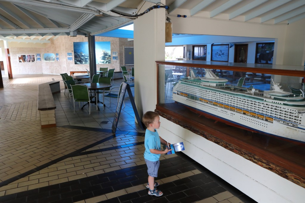 001 067 Curacao Sea Aquarium_resize