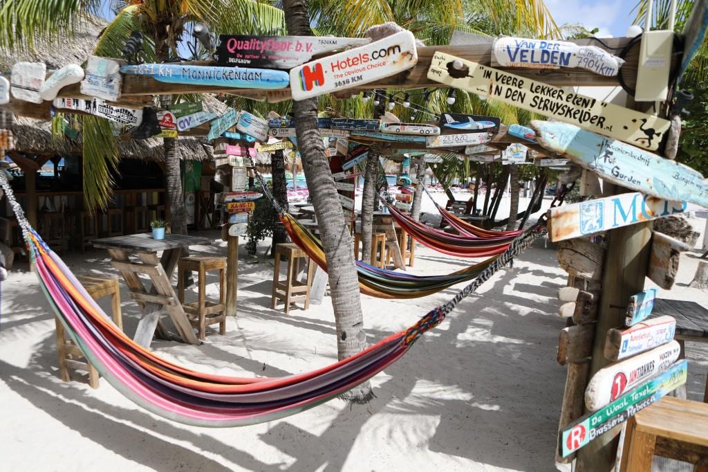 010 058 Mambo Beach_resize