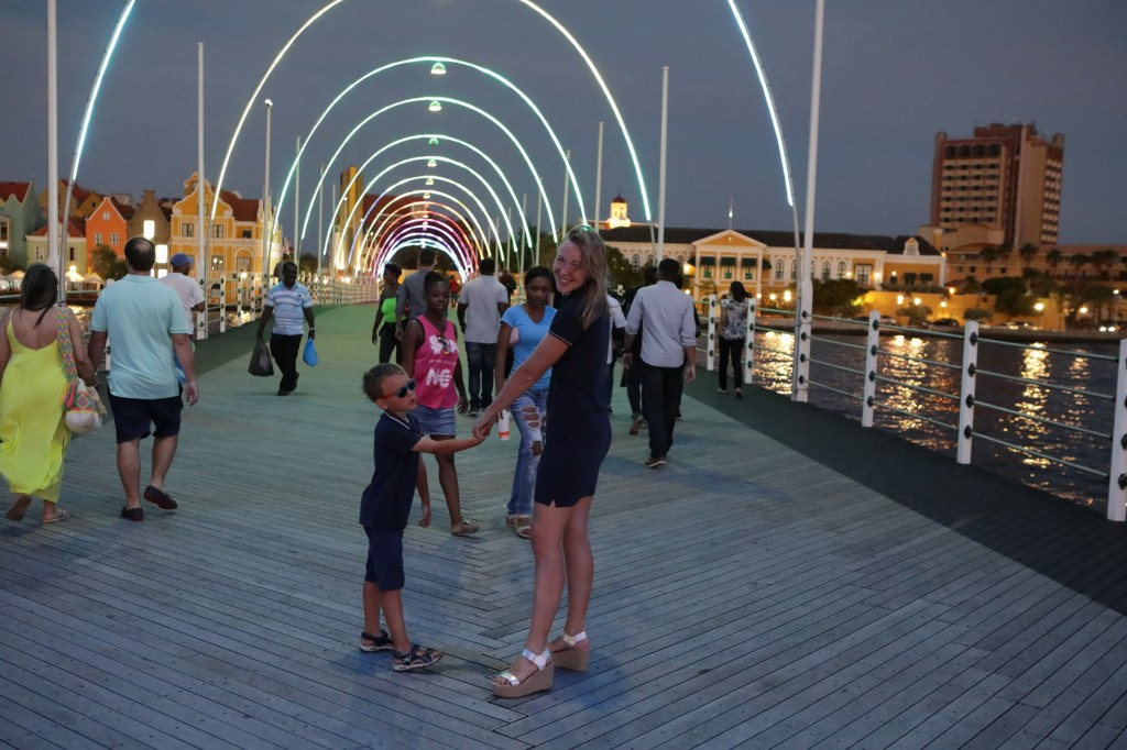 021 276 Isla and Willemstad_resize
