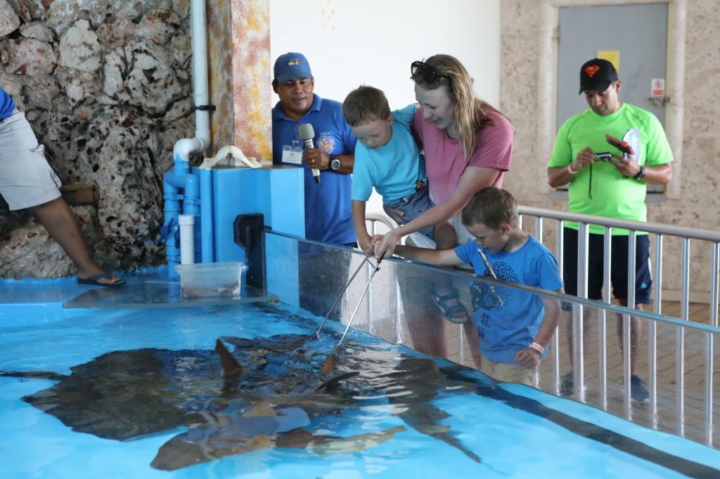 026 092 Curacao Sea Aquarium_resize