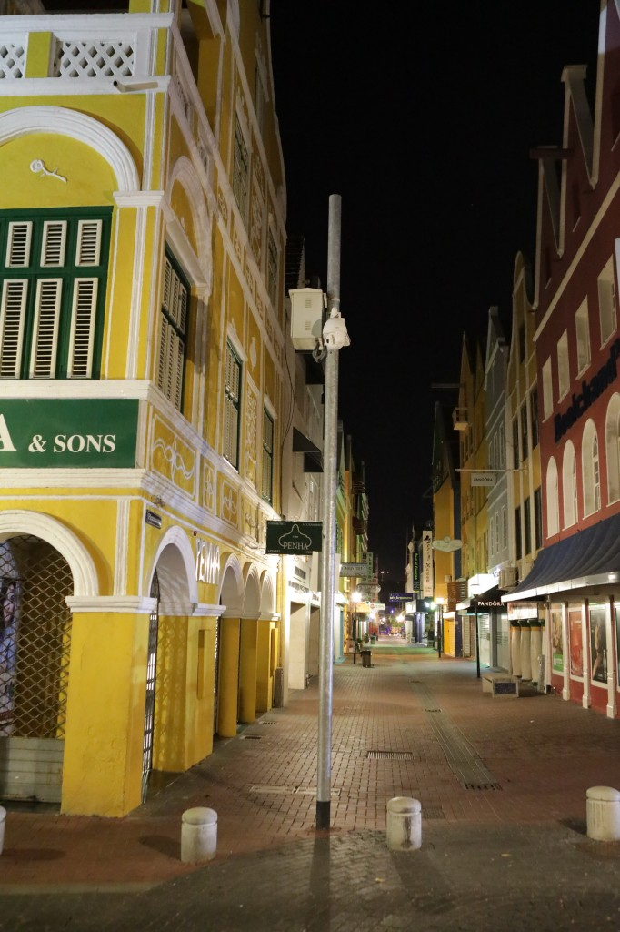 029 285 Isla and Willemstad_resize